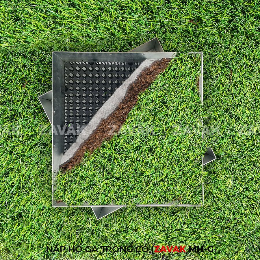 Nắp hố ga inox ZAVAK MH-G trồng cỏ lên trên bề mặt sử dụng làm nắp đậy hố ga thoát nước sân vườn kích thươc 50x50